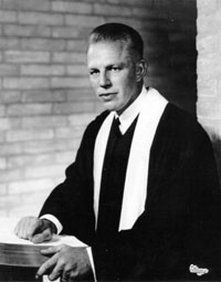 Grady Hardin, Chapelwood's first pastor