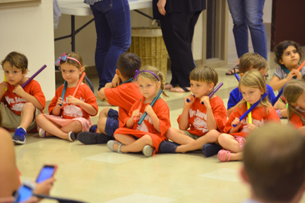 Kids in music class at the Chapelwood School